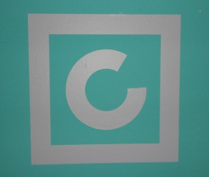 Das Logo des Robert Capa Zentrums für zeitgenössische Fotografie in Budapest.