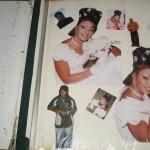 Erste Seite des Hochzeitsalbums einer jungen Frau aus Dakar, 2004