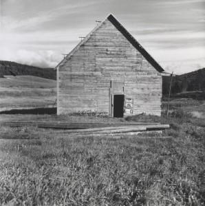 Walker Evans: Barn, Nova Scotia, 1969 – 1971