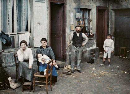 Albert Kahn, Les Archives de la planète, Stéphane Passet: Frankreich, Paris, Eine Familie in der Rue du Pot de fer, 24. Juni 1914