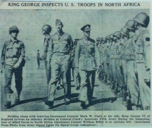 Abb. 4: King George Inspects U.S. Troops in North Africa, veröffentlicht in: Record, Hackensack N.J., 18.6.1943; Bildunterschrift: Associated Press Photo from Army Signal Corps via Signal Corps Radiophoto, (Signal Corps Photographs, compiled 1943-1944, National Archives Washington, 111-NC, Box 1)