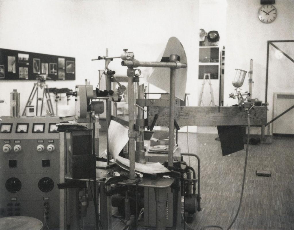 Fritz Brill: Aufnahmestand Kurzzeitszene mit LacktropfenLacktropfen
