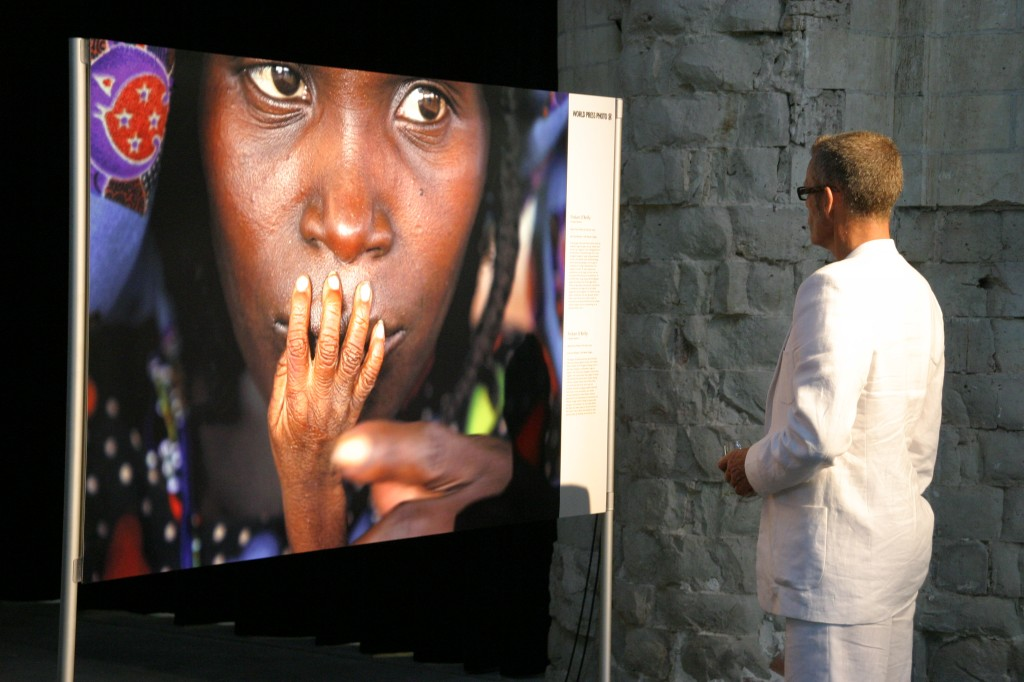 "Ausstellung ""World Press Photo 2005 Amsterdam"