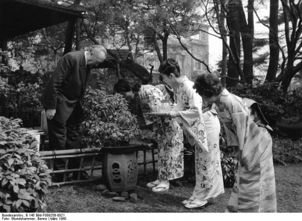 Wundshammer, Adenauer in Japan, März 1960