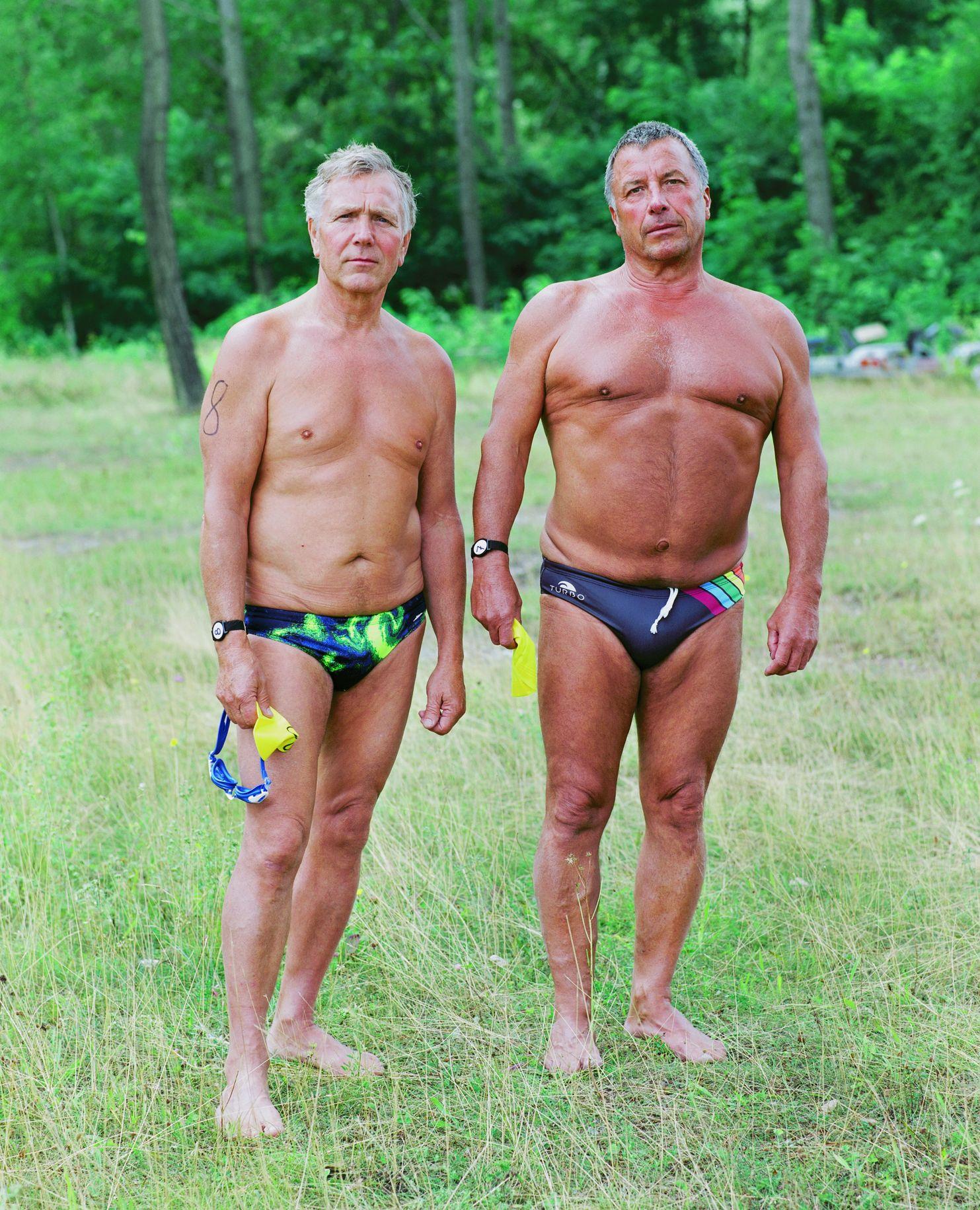 "Sven Gatter (Foto): ""Zwei Langstreckenschwimmer"", aus der Serie ""Goitzsche"", 2010-2015, Sven Gatter ©"