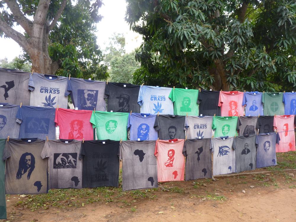 T-Shirts in Mosambik. Foto: Ute Fendler © mit freundlicher Genehmigung