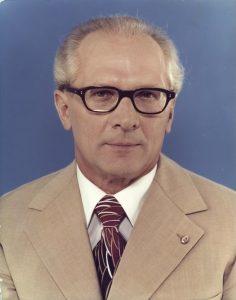 Biografische Bildpolitik – Erich Honecker und das zeitlose Herrscherporträt